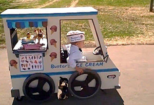 Ice cream truck – Via jowilke.wordpress.com